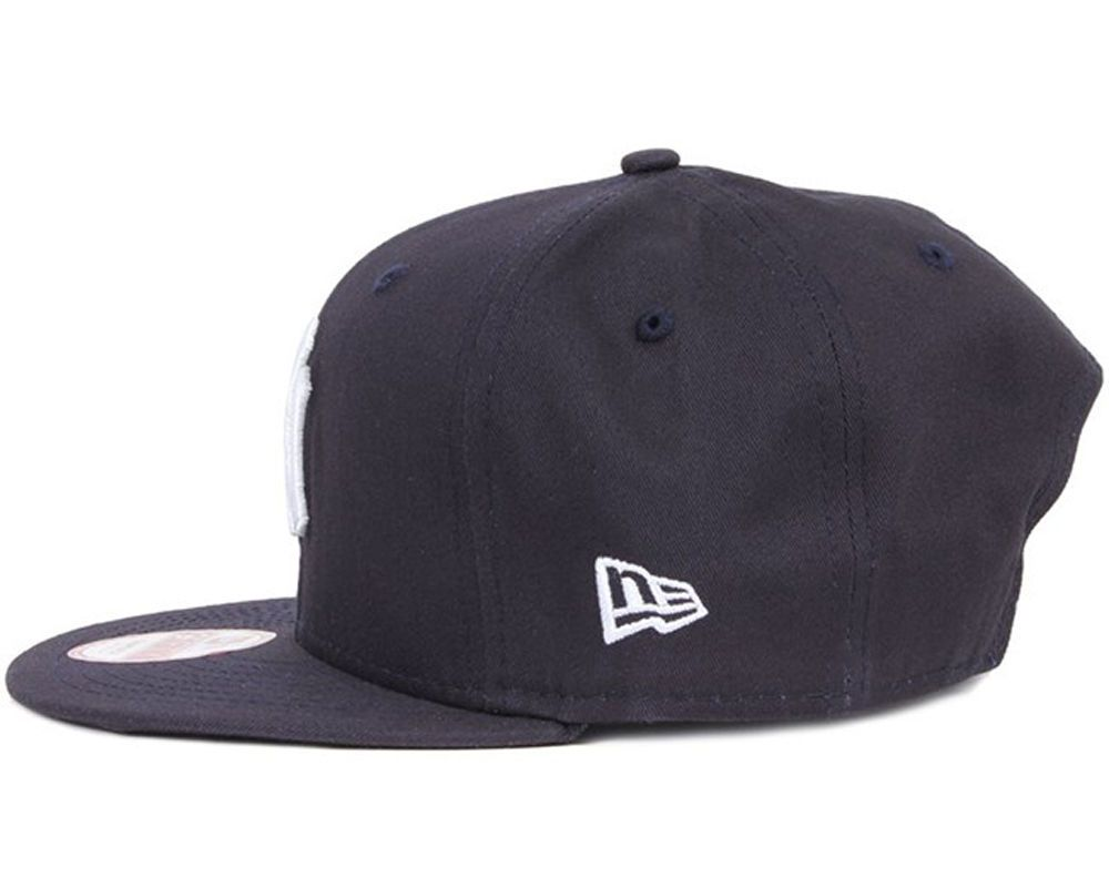 0e3fb54f81e NEW ERA MENS 9FIFTY BASEBALL CAP.NEW YORK YANKEES NAVY FLAT PEAK SNAPBACK  HAT 53